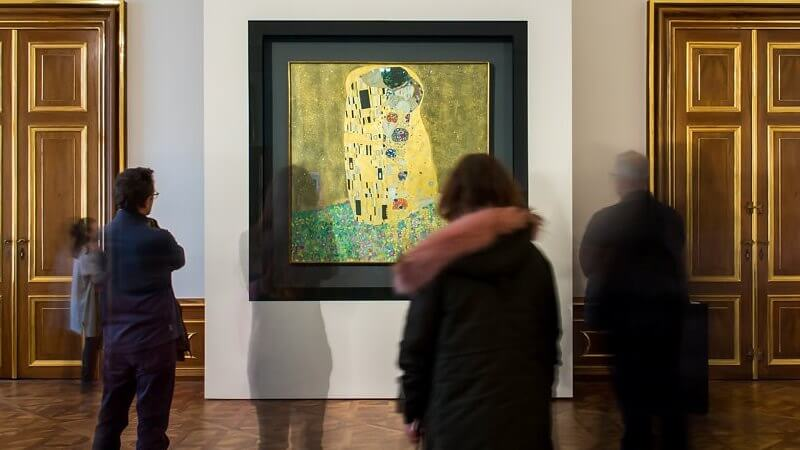 Musuem Photo of The Kiss by Gustav Klimt
